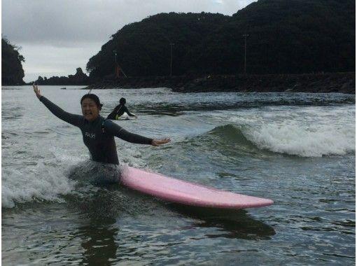 [静冈-南伊豆】冲浪课【2小时·2人在美丽的Yumigahama以上]の紹介画像