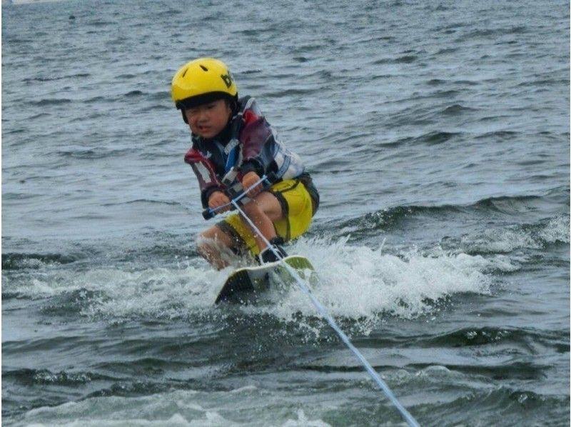 【福岡・能古島】小学生限定!お子様水上スキー or ウエイクボードスクール!!の紹介画像