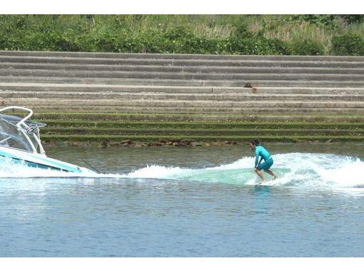 [Kagawa, Takamatsu within field dam] Let's play with Kashiki' the board! Charter plan! (Wake surfing 1 hour)の紹介画像