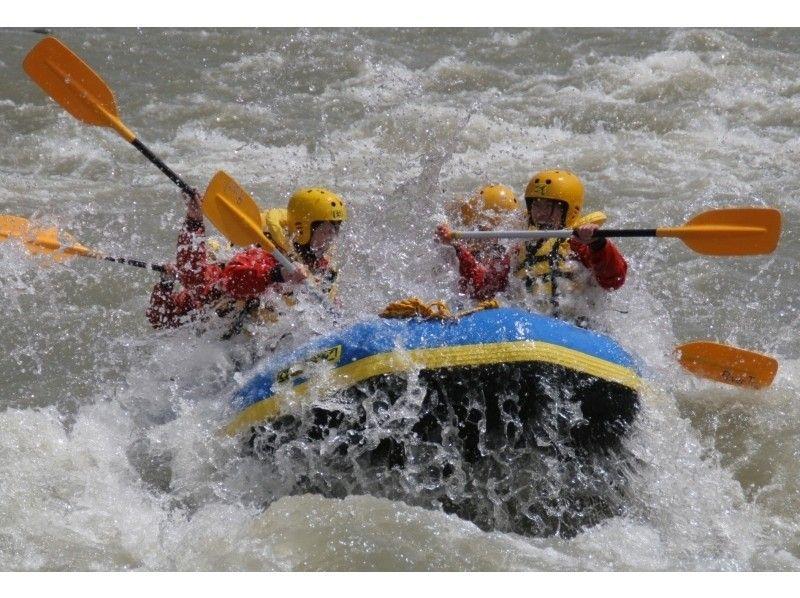 【北海道・富良野】日本三大激流にチャレンジ!北海道最高峰!鵡川ラフティングの紹介画像