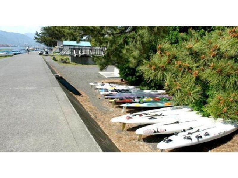 【静岡・清水】ウィンドサーフィンを体験してみよう!スクール1日コースの紹介画像