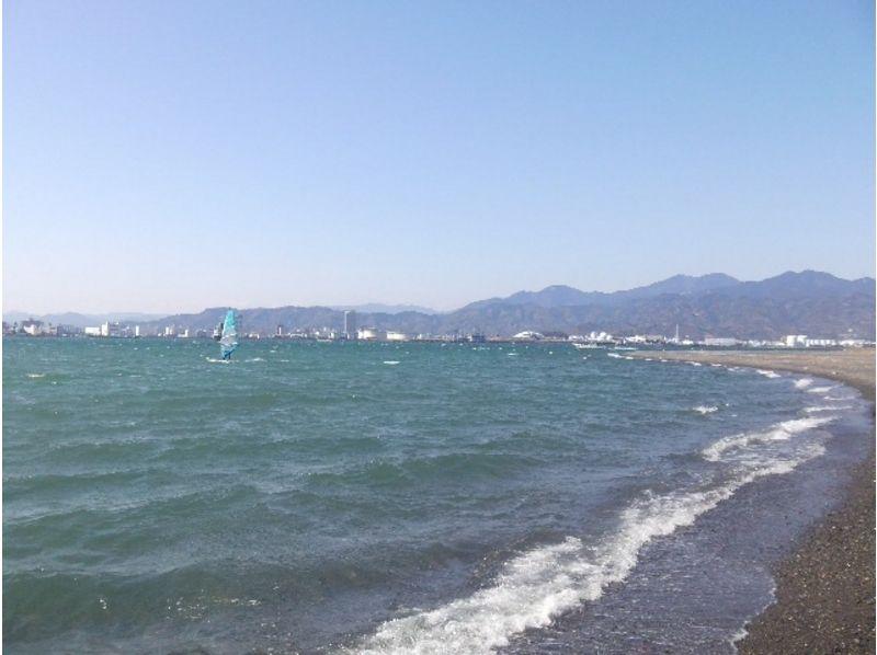 【静岡・清水】ウィンドサーフィンで風に乗る!スクール半日コースの紹介画像
