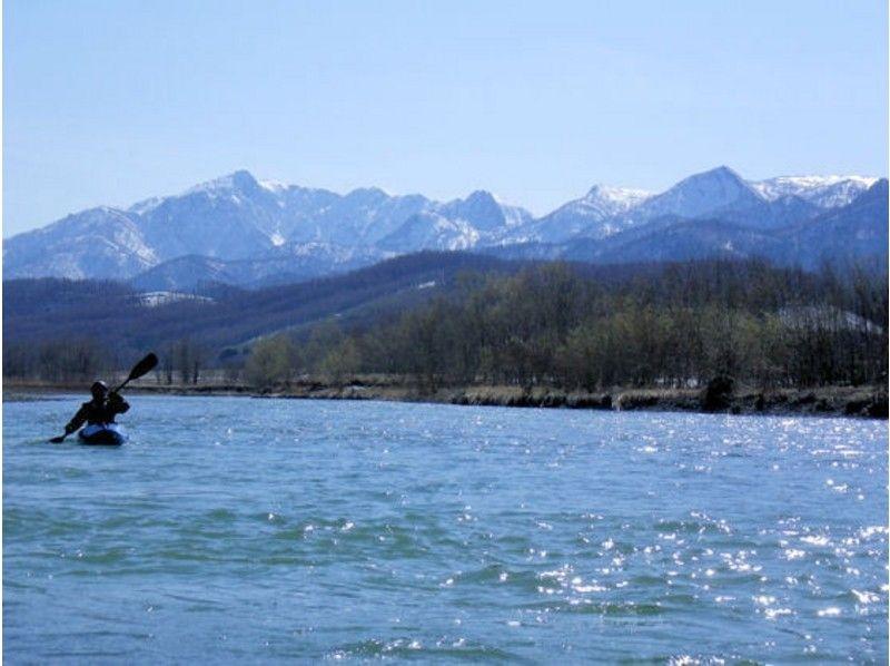 【北海道・富良野】初めてのカヤックで川下りプラン(自艇+パドル持込)【貸切】の紹介画像