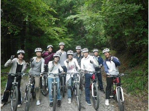【山梨・河口湖】MTB(マウンテンバイク)体験・富士の麓でダウンヒルツアーの紹介画像