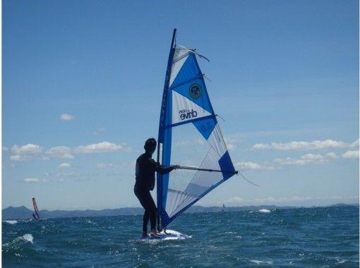 [Kanagawa ・ Miura Coast] It feels good to ride the wind ~! Windsurfing(half-day Experience)の紹介画像