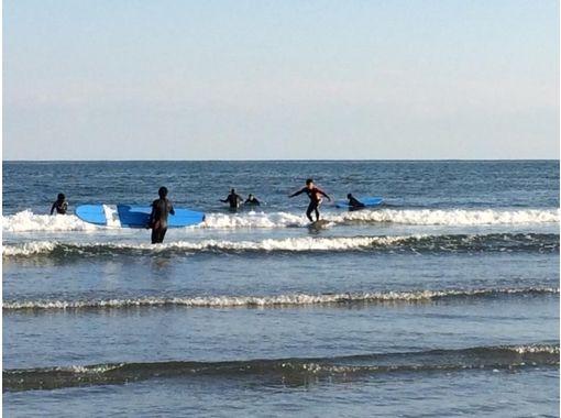 【千葉・九十九里】日帰りでコツを教わろう!サーフィン体験スクール
