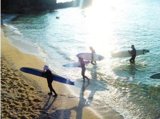 【沖縄・恩納村】サーフィン フルレンタル&フリーコース(経験者・現役サーファー向け)