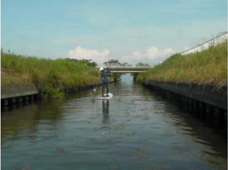 【滋賀 琵琶湖】いろんな所へ冒険!スイ~スイSUP散歩体験スクールリピーターコースの紹介画像