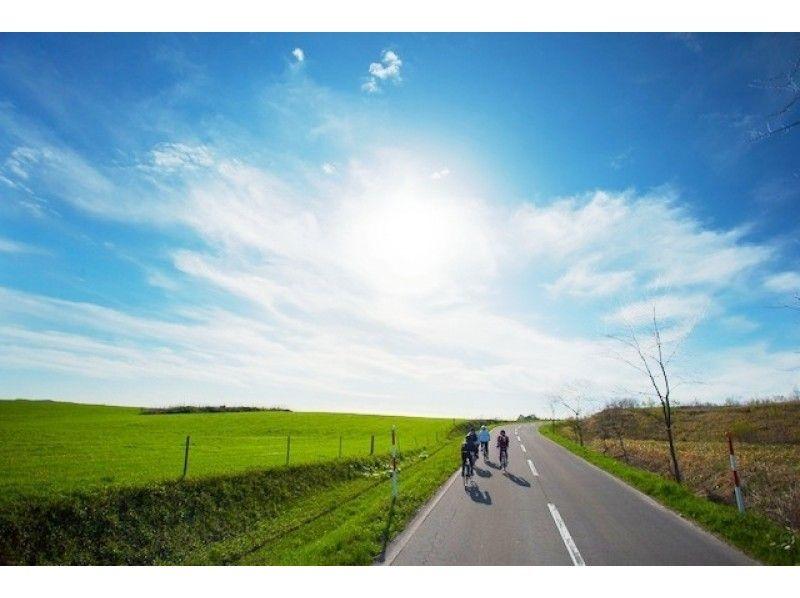 【札幌ロードバイク1日コース】長沼ー早来80km北海道の農村、丘陵、サラブレッド牧【市内送迎あり!】の紹介画像