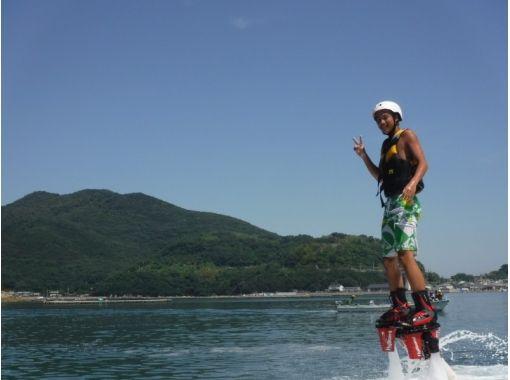 【兵庫・姫路】初心者大歓迎!水圧で空を飛ぶフライボード体験