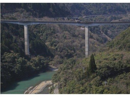 【熊本・五木村】高さ最大66m!西日本唯一のバンジージャンプ「五木バンジー」の紹介画像