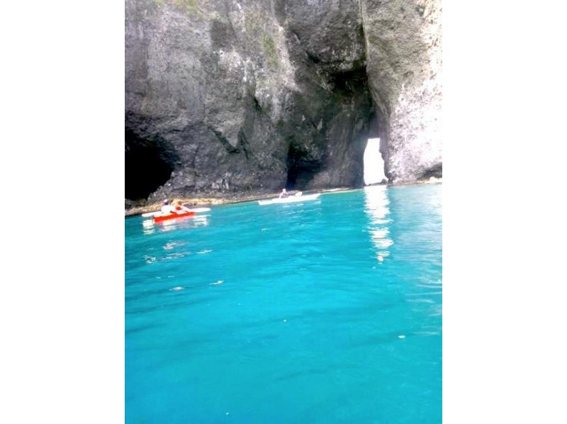 【北海道/小樽】絶景!青の洞窟シーカヤックツアーの紹介画像