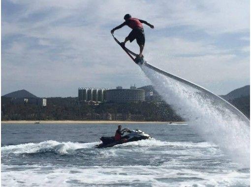 【新潟・長浜】空飛ぶサーフィンで海を飛びまわろう!ホバーボード体験!(25分)の紹介画像