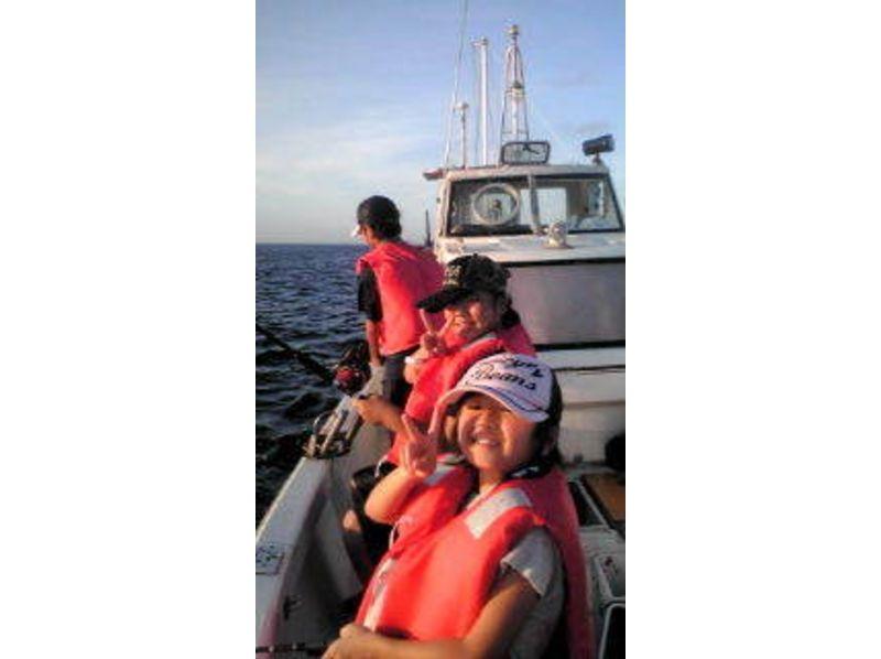 【沖縄・久米島】手ぶらで五目釣り体験!!★半日プラン★の紹介画像