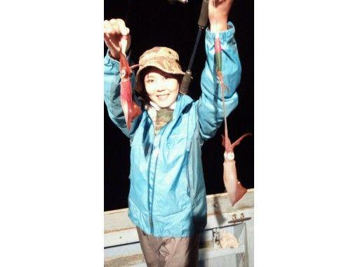 【島根・美保関町】船長お勧めポイントでイカ釣り!初心者・女性・子供・大歓迎!船長によるレクチャー有り