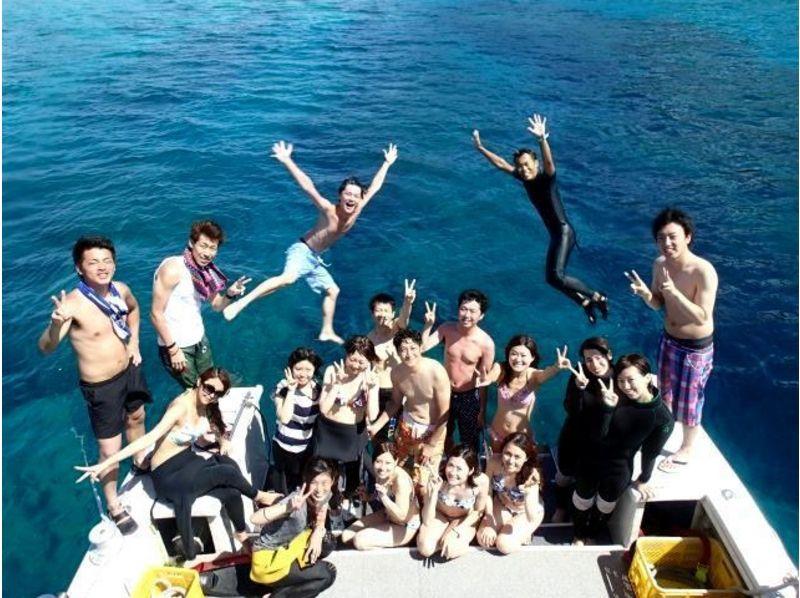 【沖縄】ゆったりダイビングでクマノミに出会おう!クマノミと潜ろう(ビーチ体験ダイビング)の紹介画像