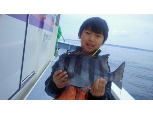 [Shonan/Kamakura] What's exciting! Gomoku fishing experience on a shared boat-beginners, Female and children are welcome! OK by hand!の紹介画像