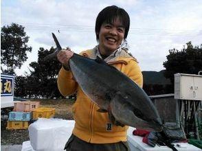 海上釣り堀貞丸の画像