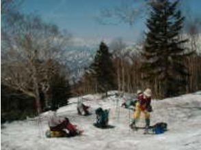 【新潟・妙高高原】妙高山麓スノーシュートレッキングツアー。日帰りで雪の妙高山を散策!の魅力の説明画像