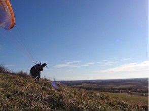 [Hokkaido Tokachi] paragliding lesson of the charm of the description image