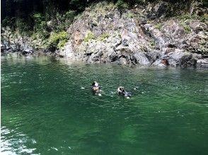プランの魅力 きれいな水と戯れると自然と笑顔に♪ の画像