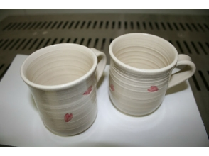It is also in the [Fukuoka Prefecture Pottery Experience] beginner. Description image of trying to make a bowl with an electric potter's wheel charm