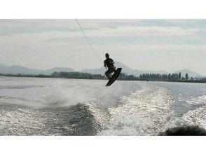 プランの魅力 Jumping with Wakeboarding is the real pleasure! We will advise you individually. の画像