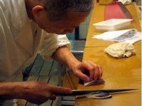 【東京・浅草】江戸前寿司の真髄を食べて学ぶ!老舗鮨店の大将直伝[江戸前寿司教室]の魅力の説明画像