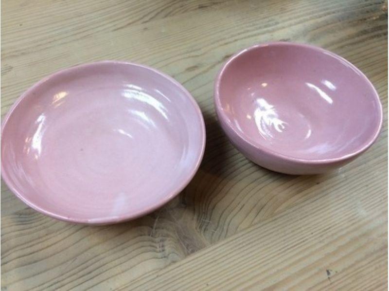【東京・下北沢】駅近の隠れ家で陶芸に挑戦!手びねりで好きなアイテムをつくろう
