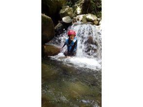 プランの魅力 It's refreshing to be hit by a small waterfall! の画像
