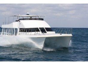 プランの魅力 When participating in snorkeling, use a catamaran that is resistant to shaking! の画像