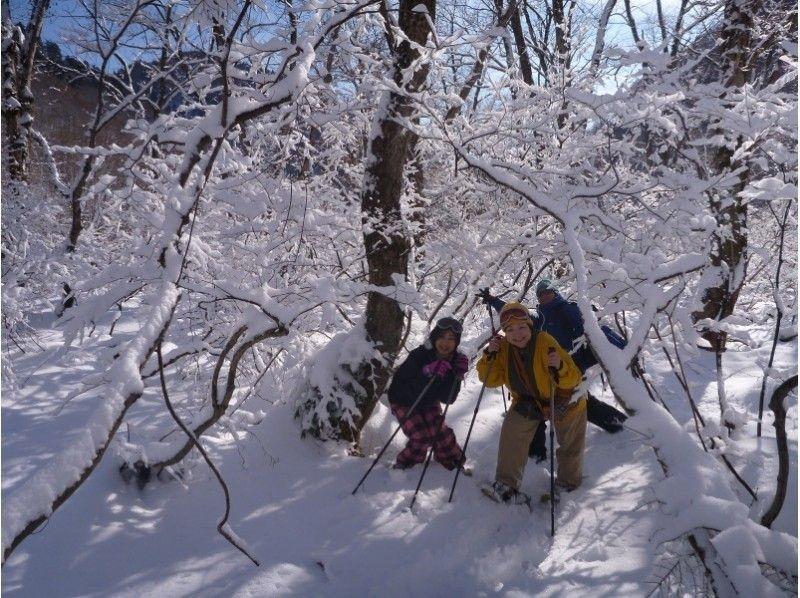 プランの魅力 ふっかふかの新雪も、急な斜面だって進めるので、真っ白い雪に覆われた世界を、冒険気分で楽しみます♪ の画像
