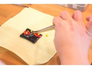 【Tokyo · Kichijoji】 Make chopstick rest and accessories with a glass plate ♪ Explanation image of the charm of easy glass work (30 minutes)