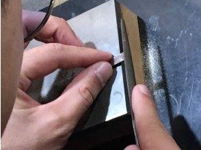 プランの魅力 ★銀板リング★削って整える作業 の画像