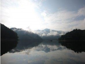 プランの魅力 Experience canoeing at the most beautiful early morning lake of the day! の画像