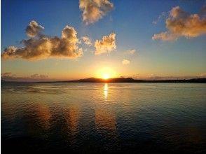プランの魅力 青の洞窟のある真栄田岬の夕日も最高ですよ♪ の画像
