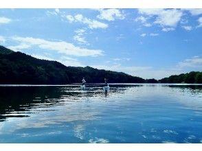 プランの魅力 広々と穏やかな川辺ダム湖。 の画像