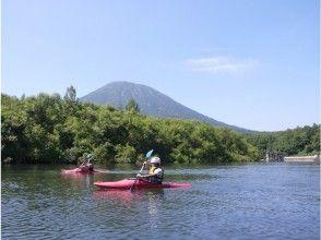 【北海道・ニセコ】ゆったりわくわく!尻別川カヤック川下りツアーの魅力の説明画像