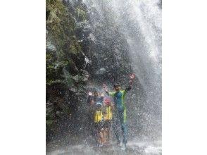 【沖縄・名護】大自然に癒される、南国リバートレッキングプラン!(1日コース)の魅力の説明画像