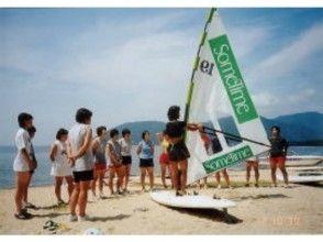 【滋賀/琵琶湖】ウィンドサーフィン ビギナースクール ★初級/1日体験コース★の魅力の説明画像
