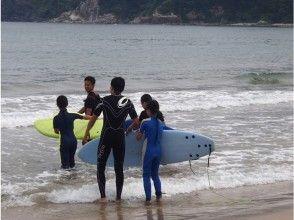 プランの魅力 Feel the cleanliness of the water by surfing の画像