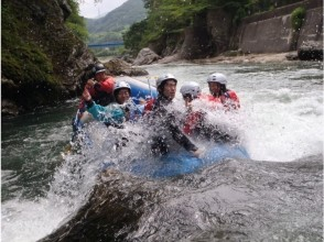 [Minakami-half-day rafting tour] Get the photo data in the tour! Charm of description image of