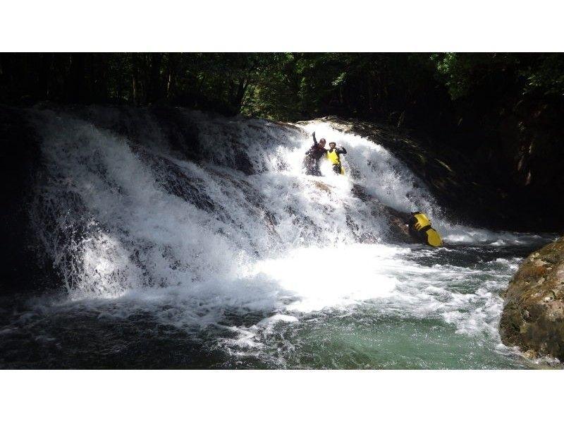 プランの魅力 河鹿の滝では、シャワークライミンググに挑戦!! の画像