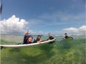 在冲绳绳海与父母和孩子冲浪首次亮相!