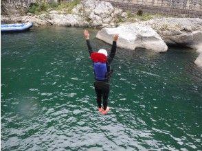 夏季漂流河遊樂