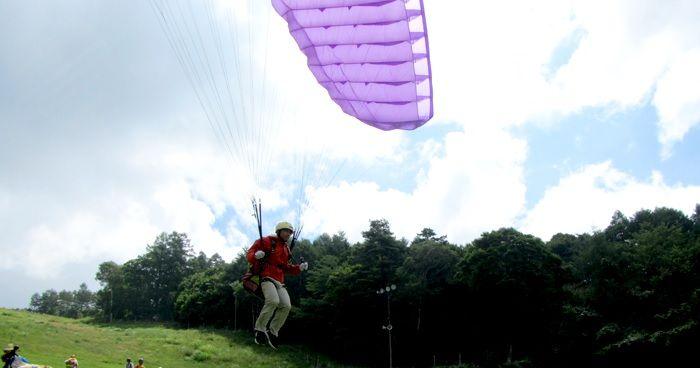天空體育滑翔傘做比賽!