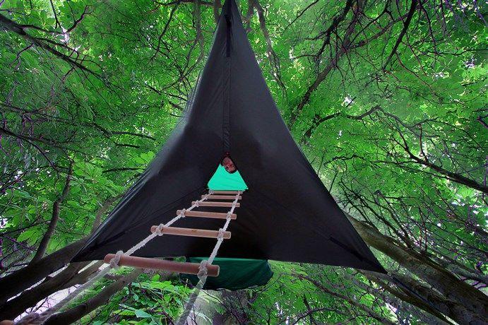いま話題の空中に浮かぶテント「テントサイル」はしご