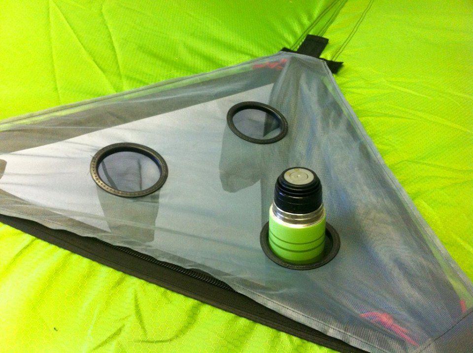 いま話題の空中に浮かぶテント「テントサイル」ドリンクホルダー
