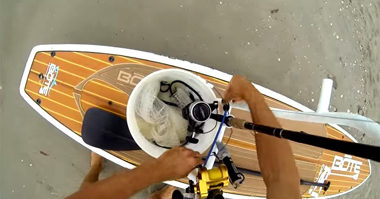 【動画】SUP Fishingで大物を釣り上げる!!
