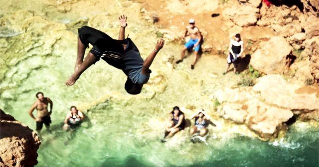 夏は川で遊べ!!キャニオニングで『Cliff Jumping』!!